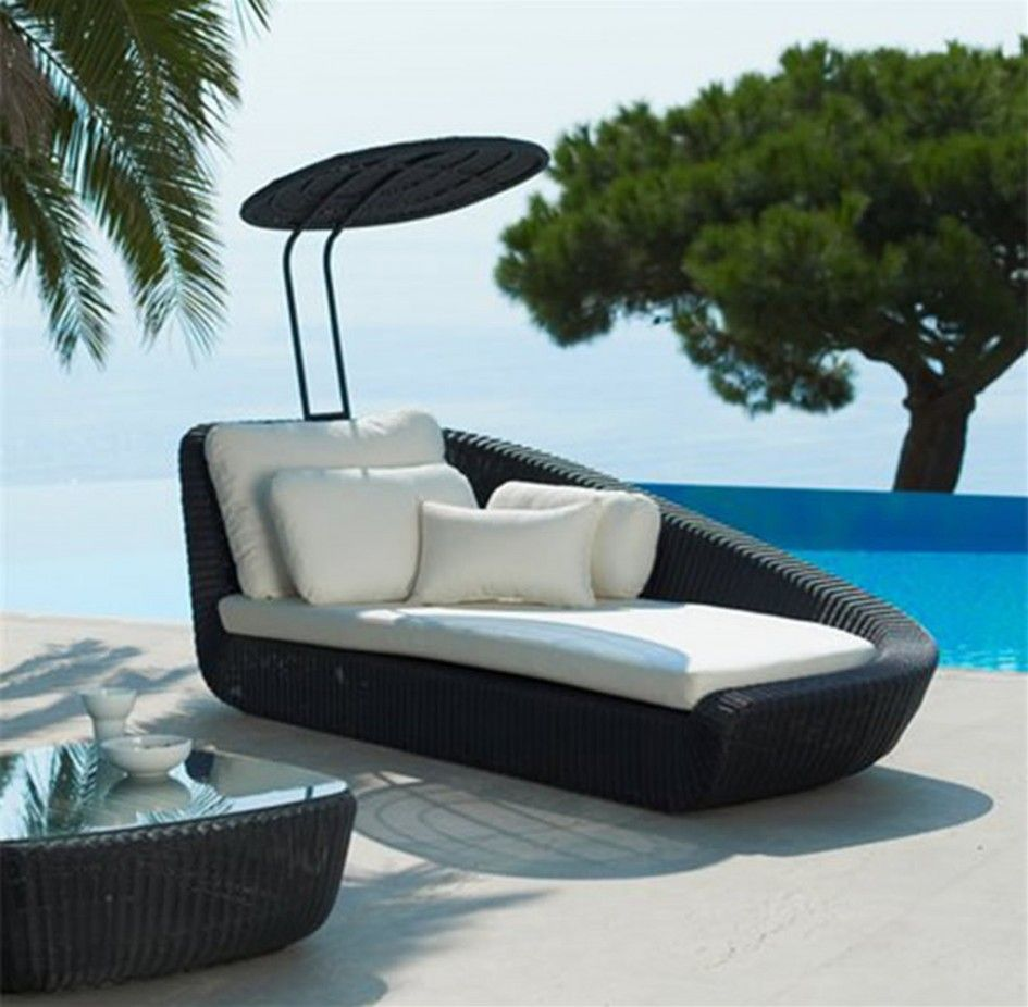 patio outdoor cool unsusual patio furniture sysnthetic rattan wicker canopy daybed black finish uv resistant