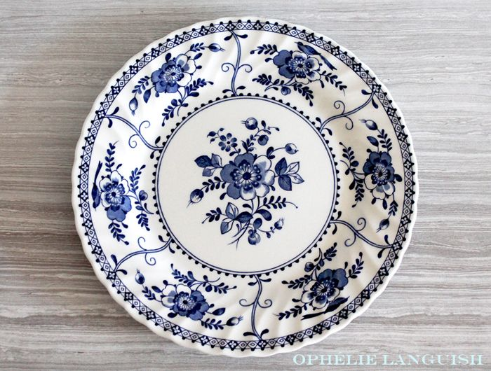 Vintage Indies Cobalt Blue Dinner Plate by Johnson Brothers - Made in England available at Ophélie  sc 1 st  Pinterest & Vintage Indies Cobalt Blue Dinner Plate by Johnson Brothers - Made ...