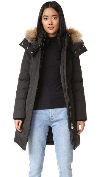 7bceabb7401 ¡Consigue este tipo de abrigo de pelo de MACKAGE ahora! Haz clic para ver