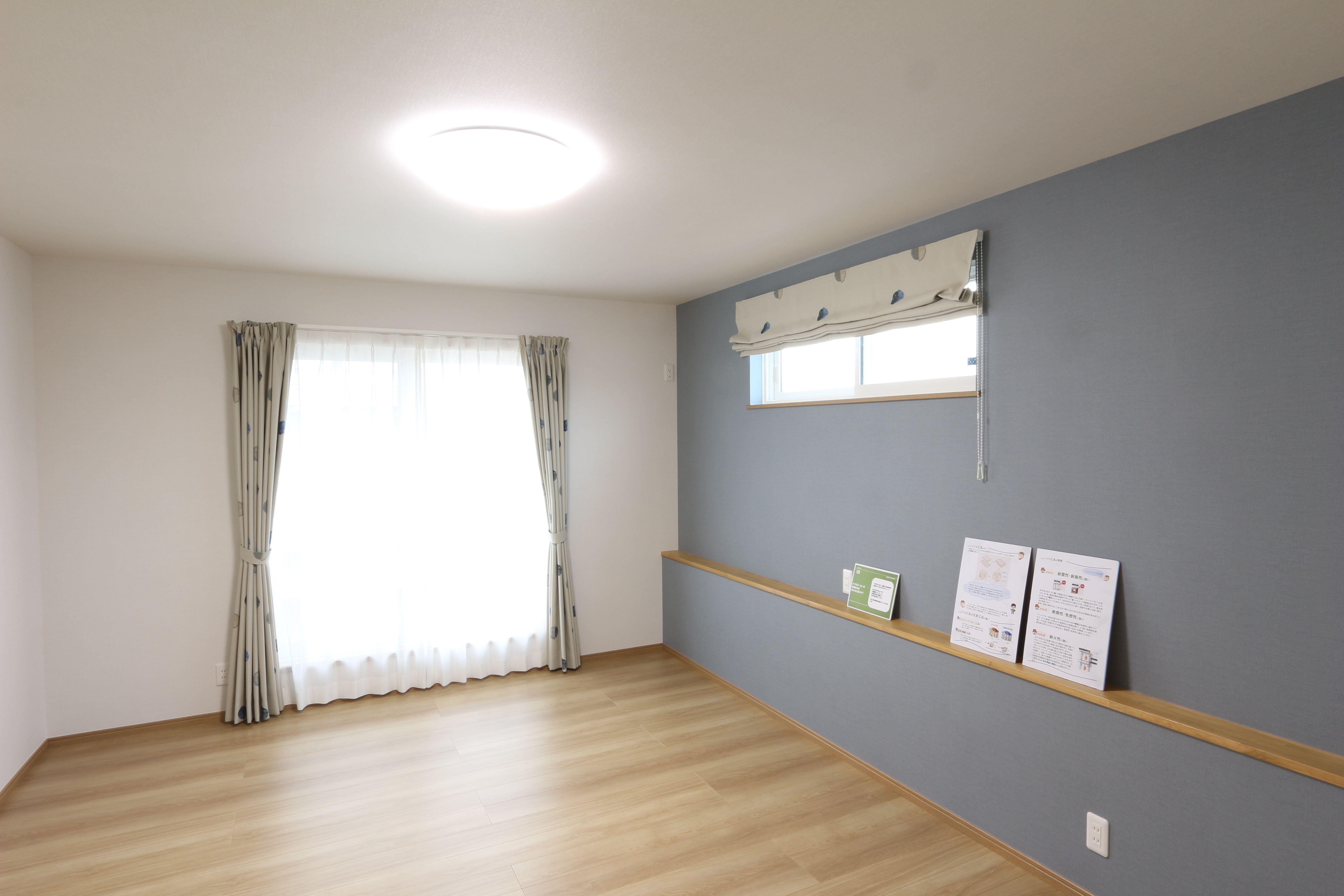 カウンターが便利な寝室 Knock On The Door Home Decor Home Decor Decals
