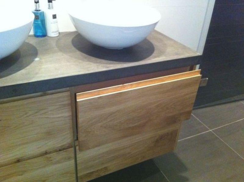 Badkamer meubel van ikea met eiken houten deuren – badkamer at ...