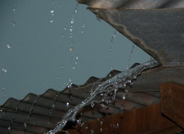 Rain Tin Roof Jpg Jpeg Image 618x450 Pixels Tin Roof Roof Rain
