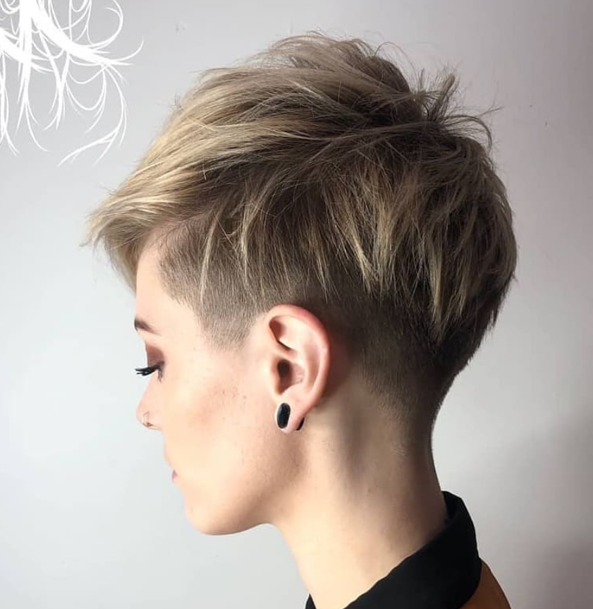 58 Hottest Shaved Side Short Pixie Haircuts Ideas For Woman In 2019 Short Hair Styles Short Pixie Haircuts Short Hair Styles Pixie