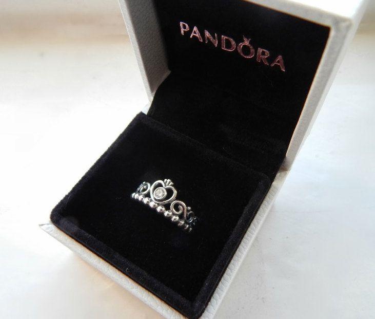 pandora crown princess ring 925 sterling silver and cubic. Black Bedroom Furniture Sets. Home Design Ideas