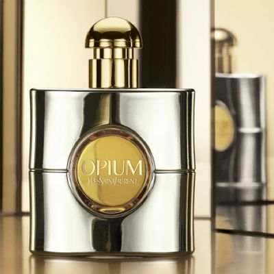 Opium Collector's Edition 2014 by is a new limited edition from Yves Saint Laurent, which represents a version of the Opium fragrance (the new edition from 2009). Last year's Opium Collector's Edition was presented in a gold metallic bottle, while the new version comes in a metallic and lacquer white gold bottle  #beautynews #fragrancenews #beauty2014 #fragrance2014 #scent #scent2014 #scentnews #perfumenews #perfume2014 #aroma #parfum2014 #yvessaintlaurent #ysl