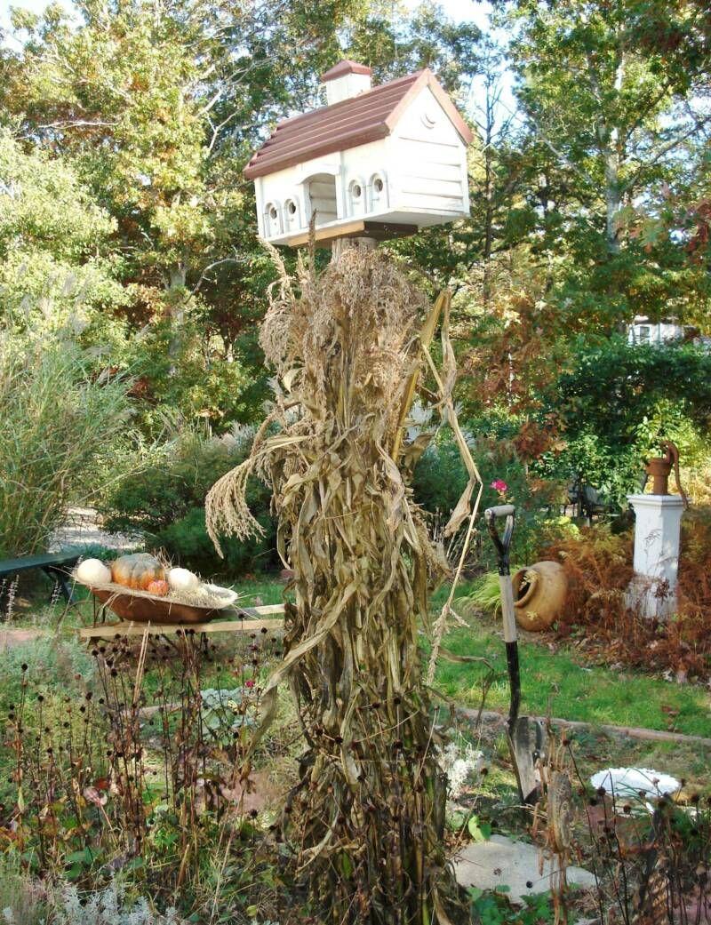 primitive garden decor....CHECK OUT TRASH TO TREASURE... garden ...