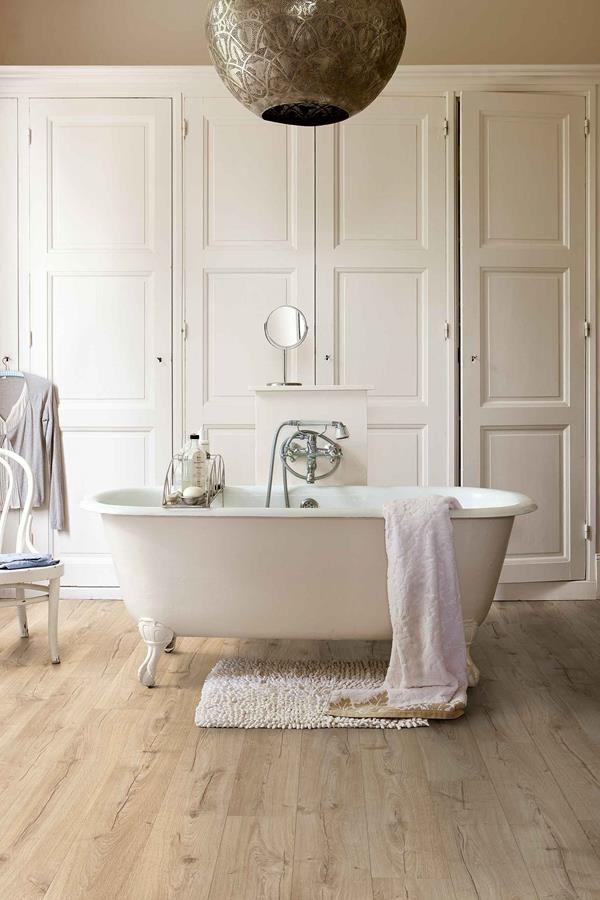 Quick-Step waterbestendige laminaatvloer in de badkamer - Laminaat ...
