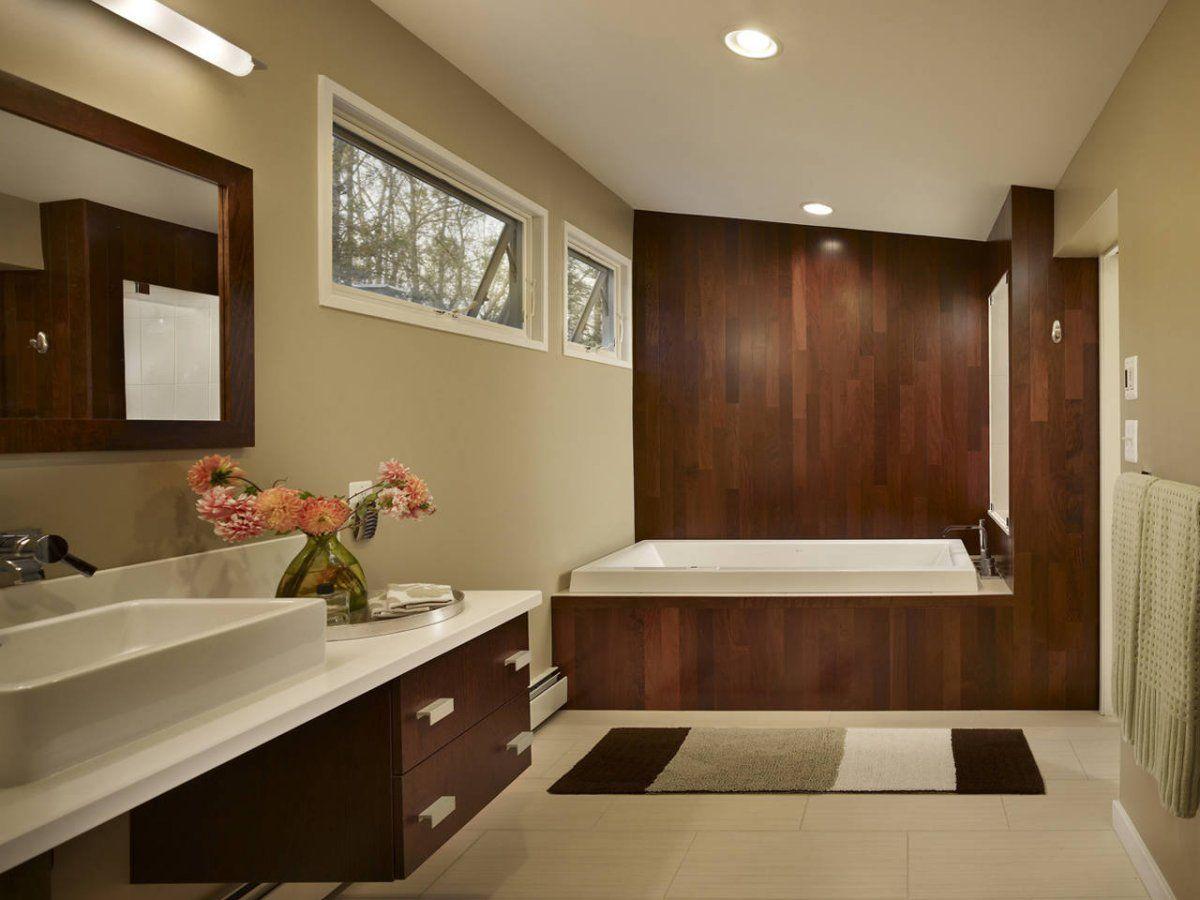 Badkamer inspiratie badkamermeubel sfeer ligbad tegels