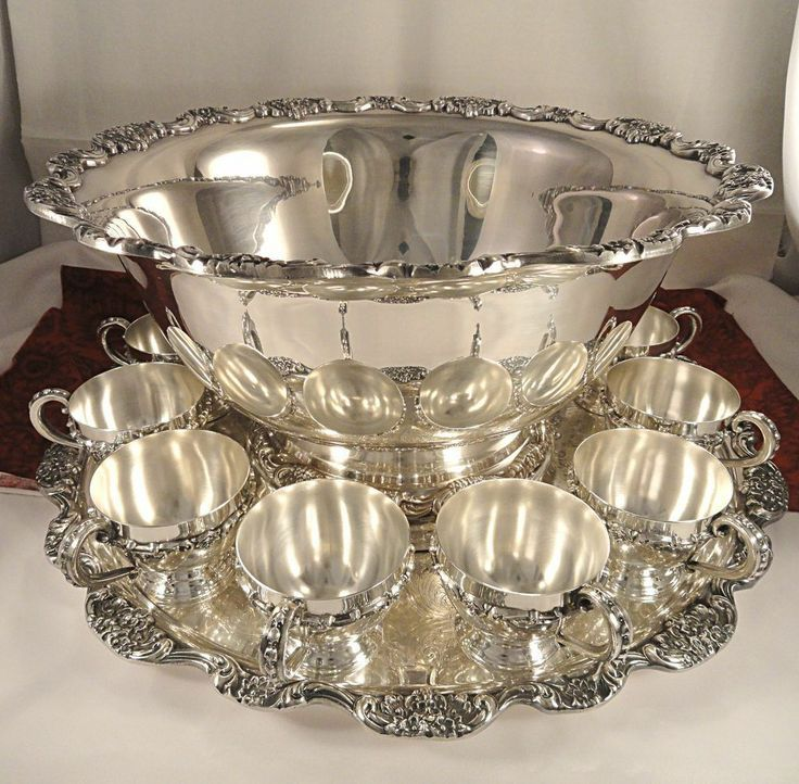 silver plate punch bowl with 12 cups and round matchin tray - Google Search & silver plate punch bowl with 12 cups and round matchin tray - Google ...