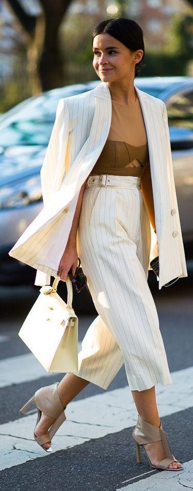 White blazer, cropped trousers. Street fall elegant autumn women fashion outfit clothing style apparel @roressclothes closet ideas