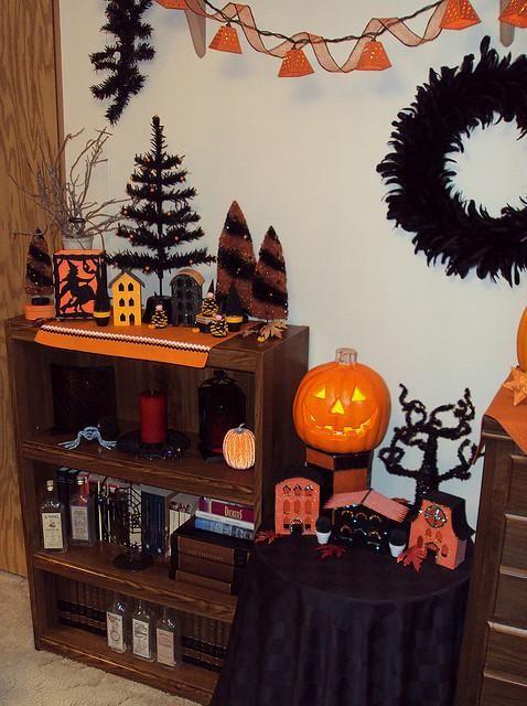 Halloween decorations  IDEAS  INSPIRATIONS Halloween Decorations - how to make simple halloween decorations