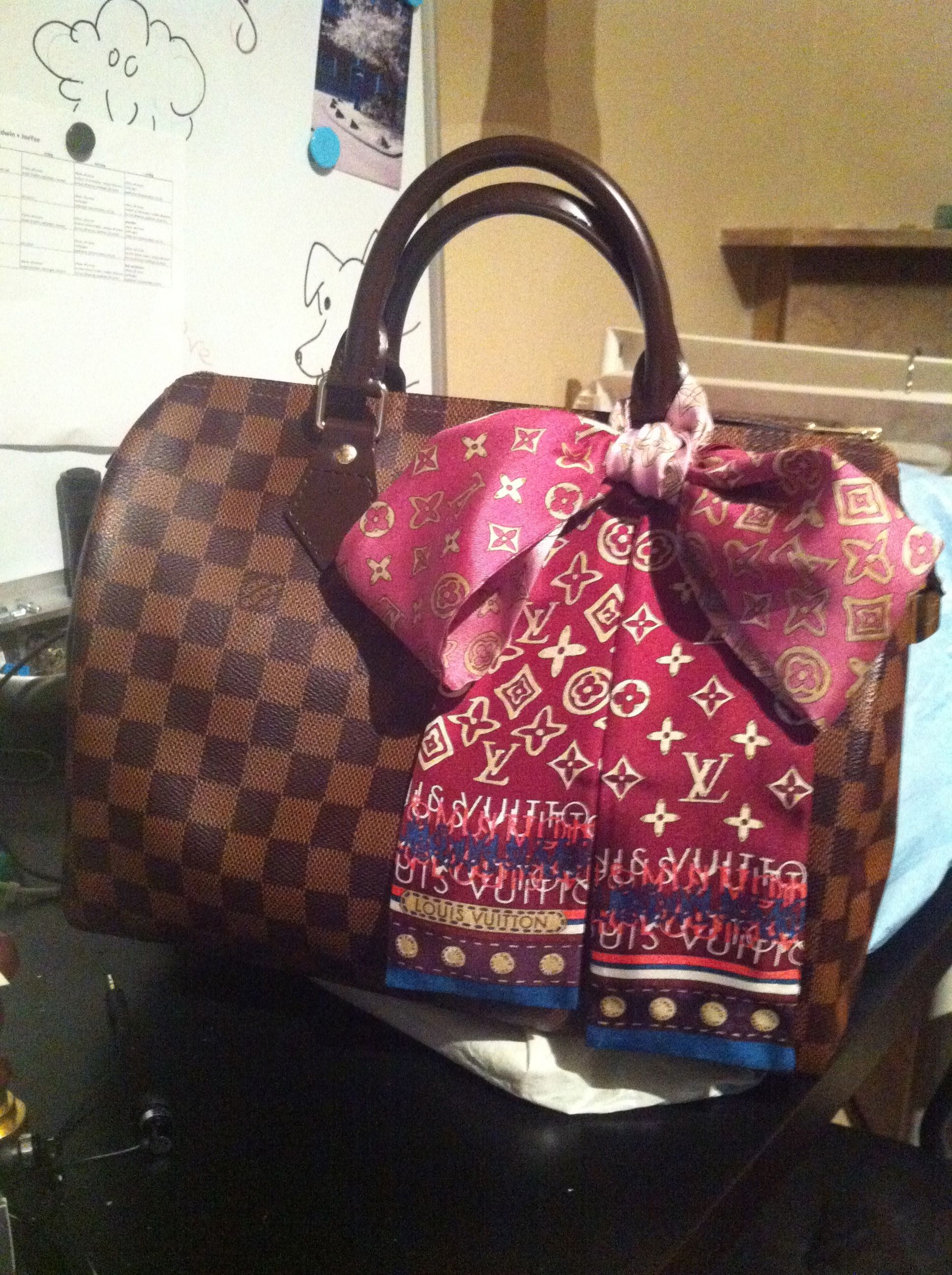 462e721d7b61 How to accessorize your bag with a scarf   Fashion   Louis vuitton ...