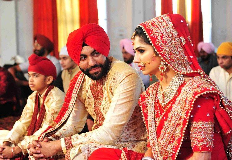 Real Weddings The Famous Flash Mob Wedding Proposal Ties Knot