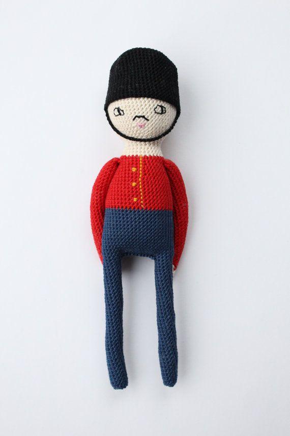 Crochet doll pattern CARL a Royal Guard Toy Soldier | Soldaten ...