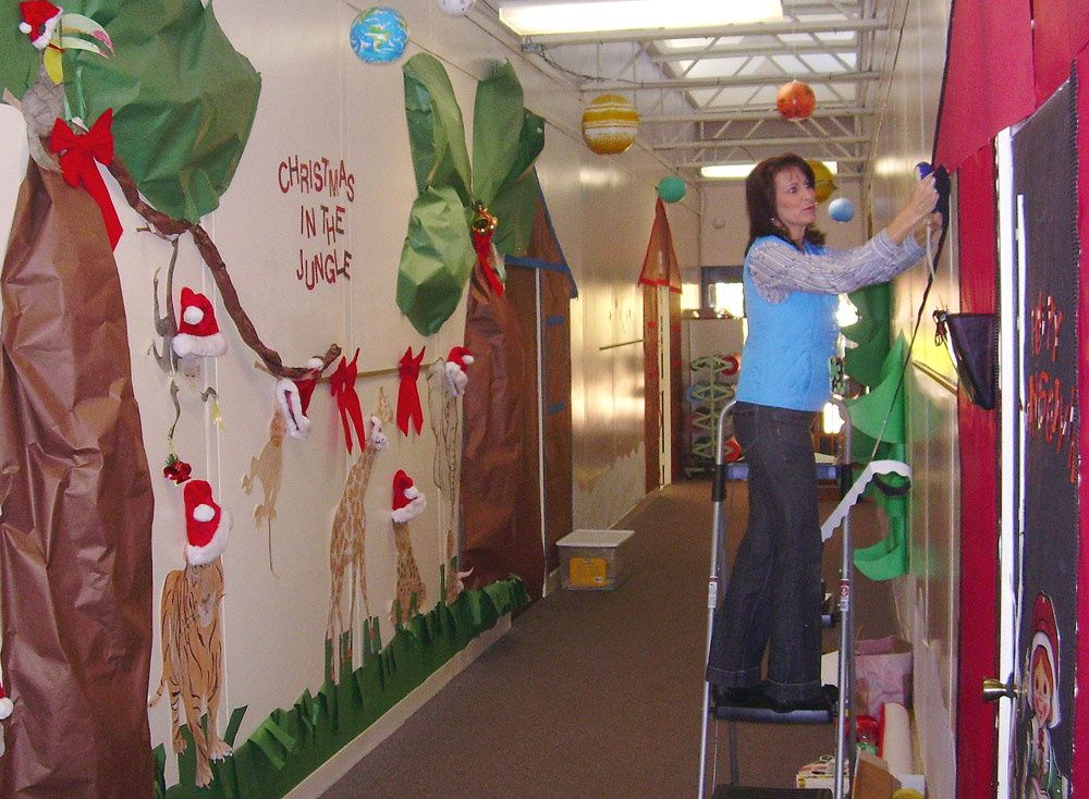 Christmas Door Decorations For School At Comer Elementary