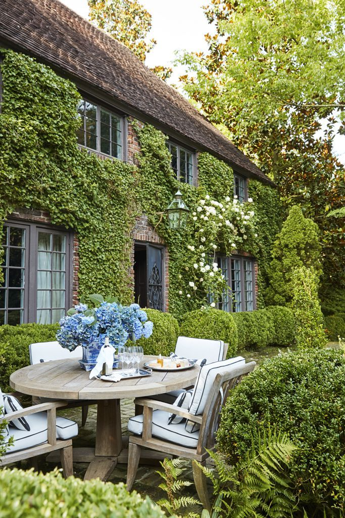 This 1920s Southern Cottage Looks Like It Was Plucked Right Out England