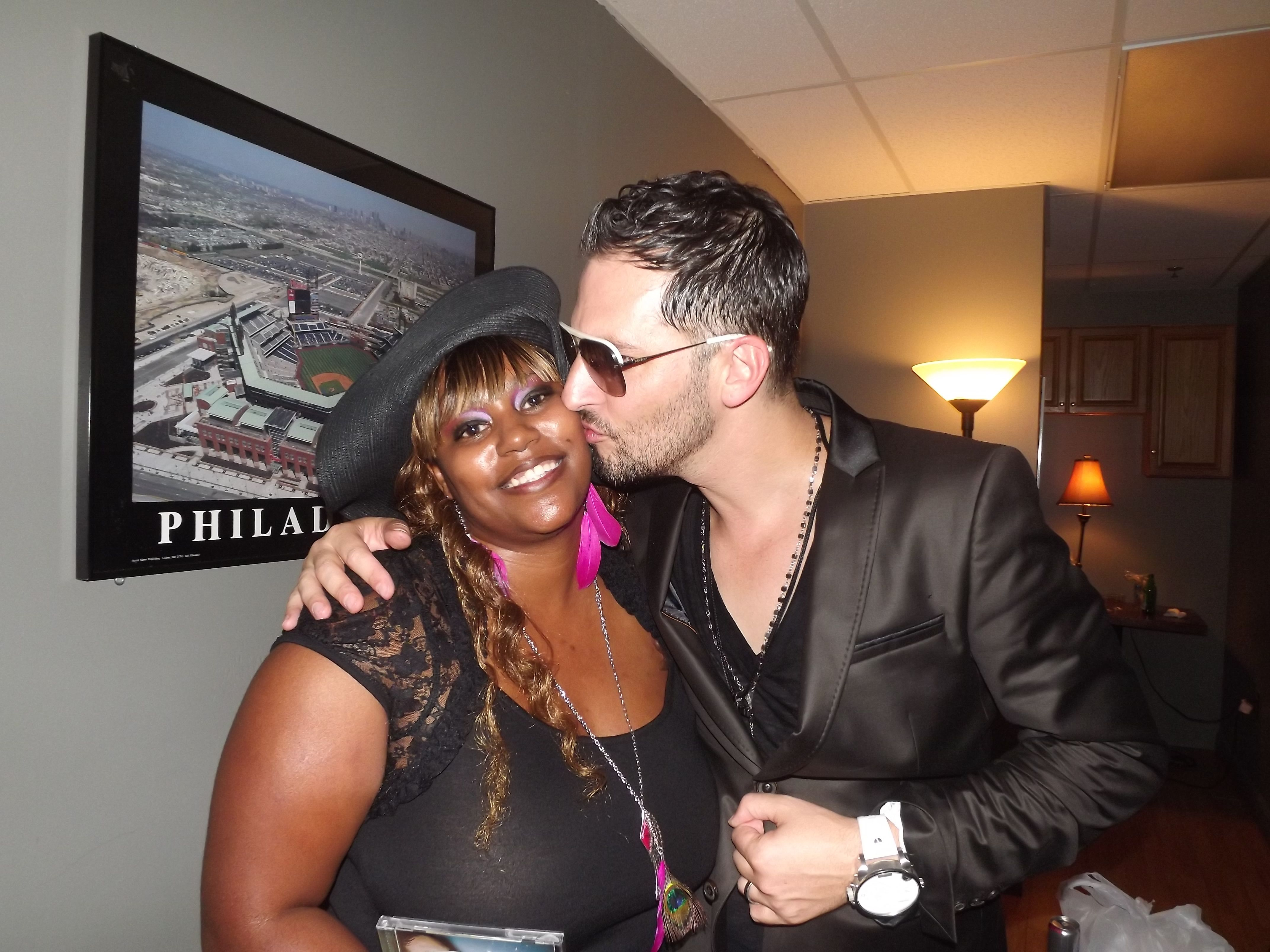 A Kiss For The Fans The Jon B Show In Philly Swagger My Love Comfortable