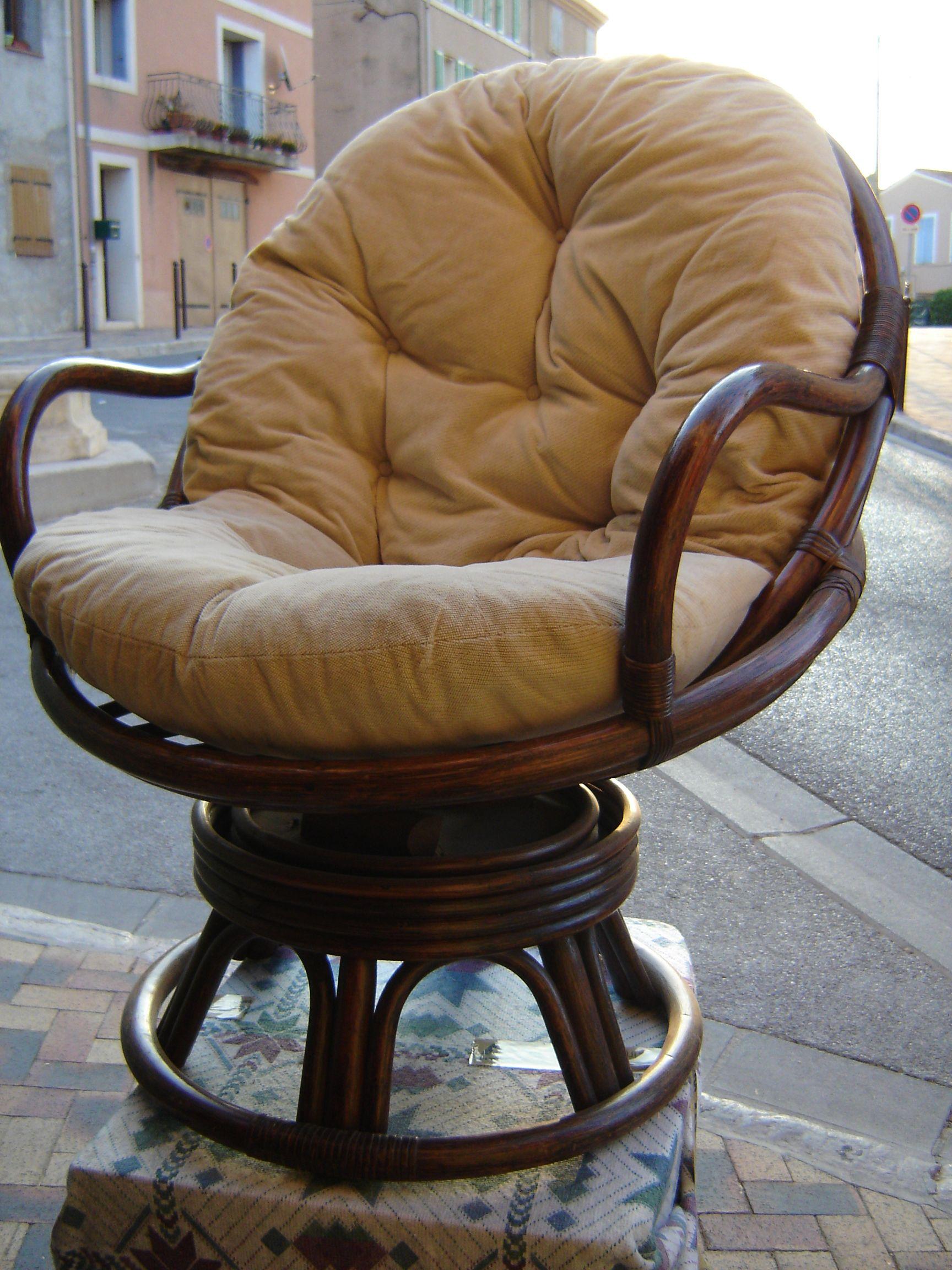 fauteuil en rotin pivotant mobilier