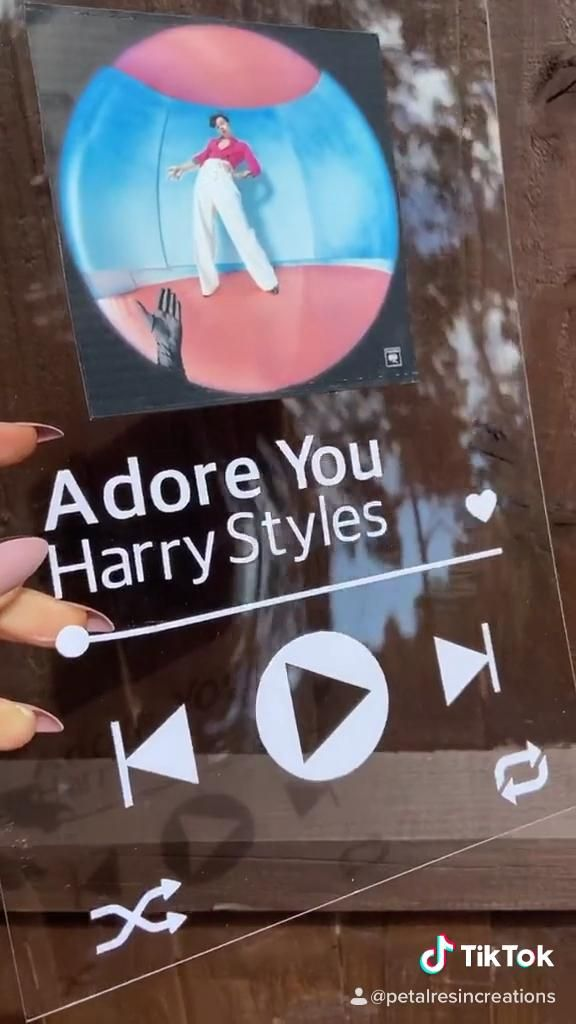 How To Make Spotify Glass Artwork Harry Styles Video Diy Gifts Harry Styles Birthday One Direction Gifts