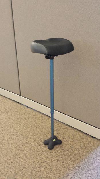 Leaning Stool Human Kickstand Wobble Chair Nifty