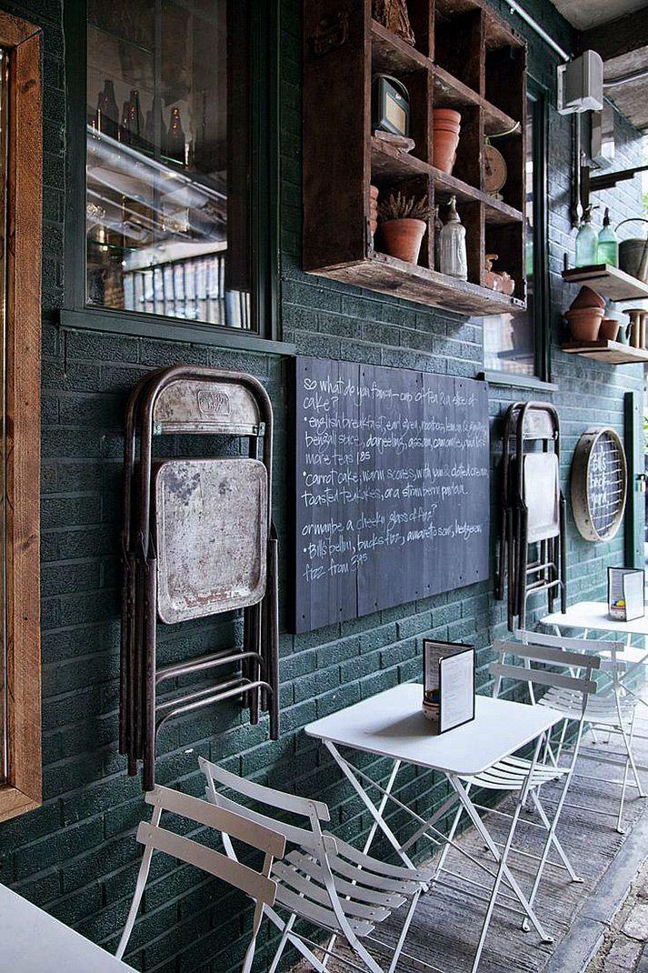 Muebles de terraza para cafeterías. | pasntalon rojo hombre moda ...