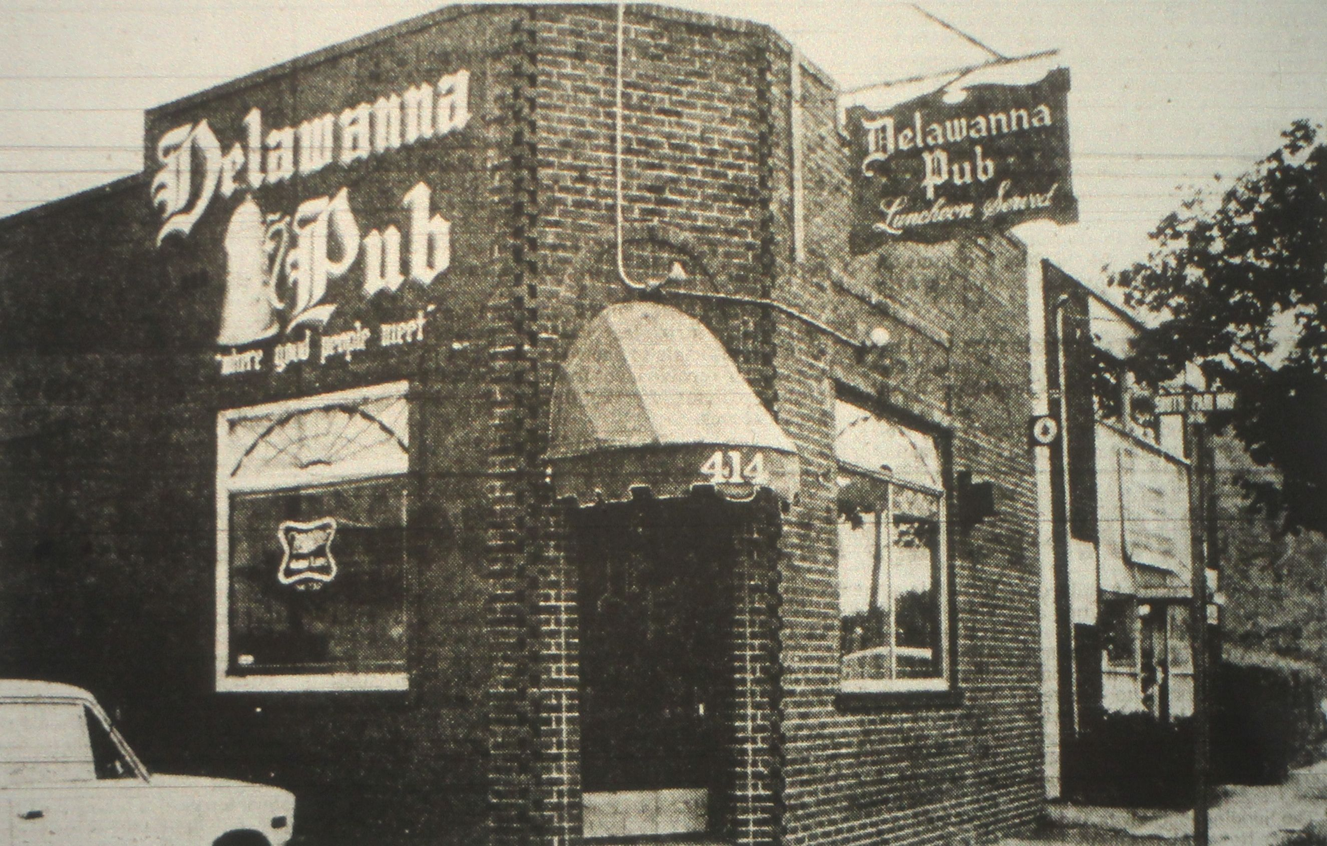 Delawanna Pub Clifton Nj 1978 In 2019 Garden State Plaza