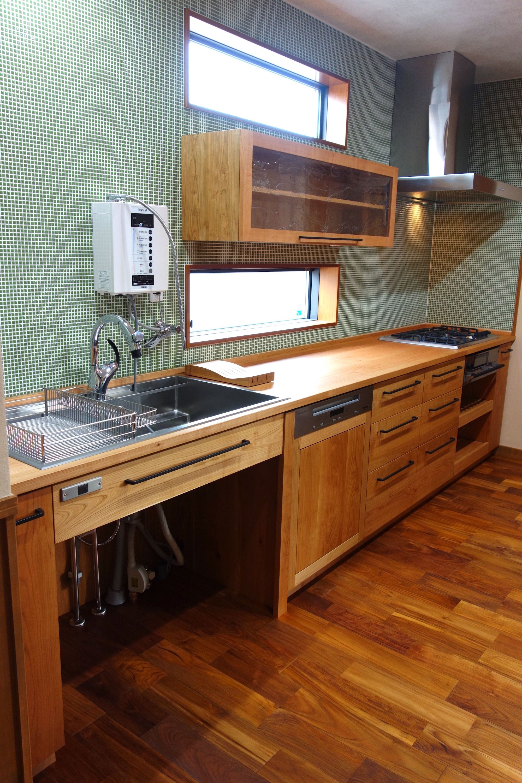 木のワークトップは魅力的 愛知 碧南のキッチンリフォーム スタジオママルスタジオママル 2020 キッチン ハウスデザイン 木の キッチンカウンター