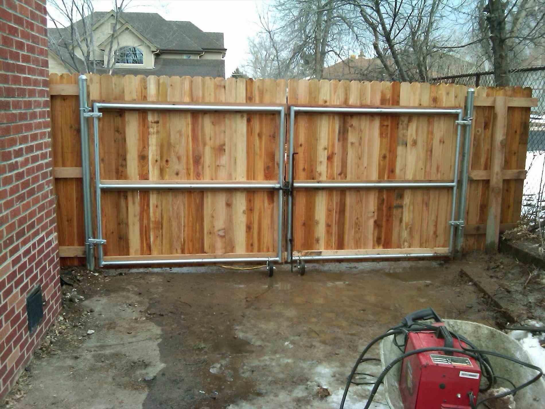 Metal Post Gate Vs Wood Fence Posts Wood Gates Driveway