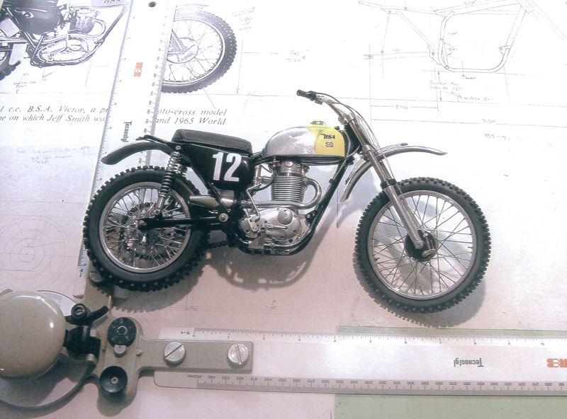 Bsa B Victor 1 7th Scale Fully Working Model Motorcycle Model Motor Custom Bsa Motorcycle