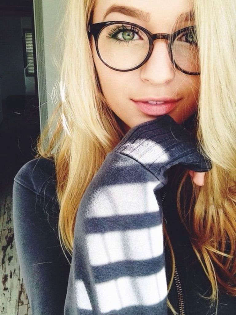 20 cute girls wearing glasses ideas to try | wearing glasses, glass