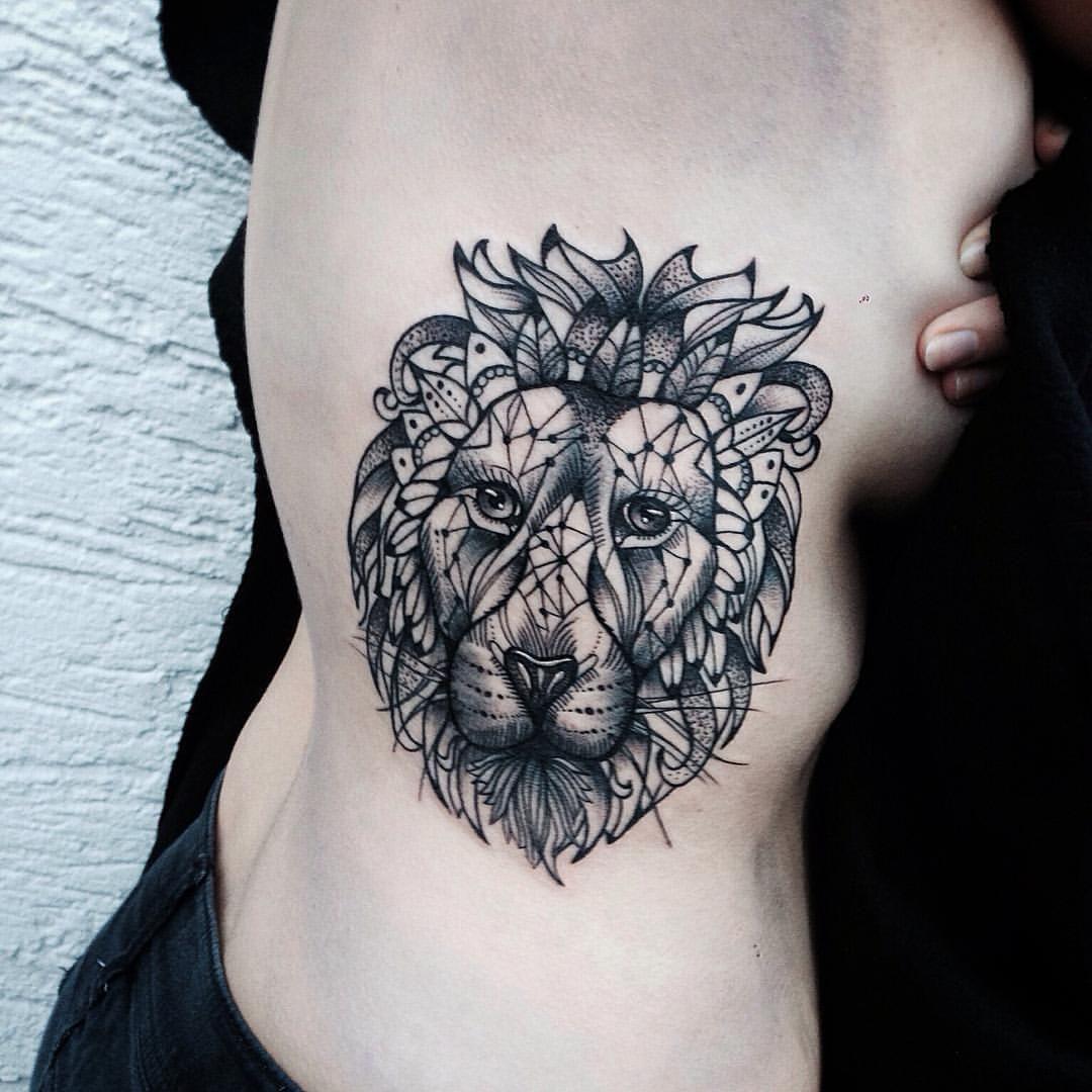 Jessica Svartvit On Instagram Lion On Selinas Ribs Though Girl Save Travels Back Home Dotwork Dotworktattoo Li Tattoos Tattoo Designs Gorgeous Tattoos