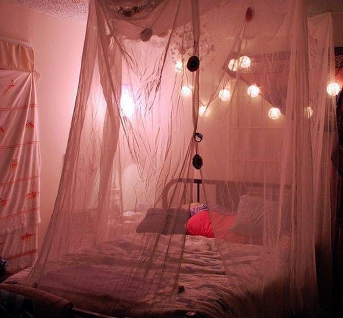 Ideas-to-Display-Christmas-Lights-in-a-Bedroom-18.jpg (670×622)