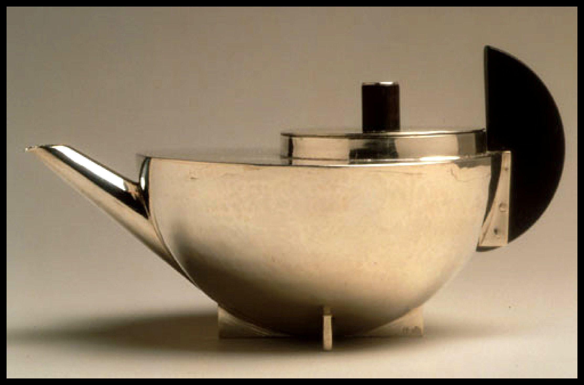 original Bauhaus kettle, worth 6500 €... Bauhausstil