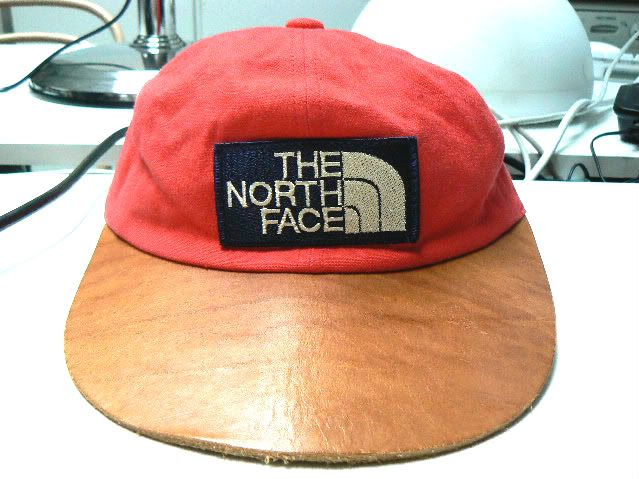 9357343813f ZONE7STYLE  Vintage North Face Canvas and Leather Long Bill Hat ...