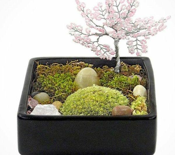mini jardin zen mousses vertes et bonsai artificiel