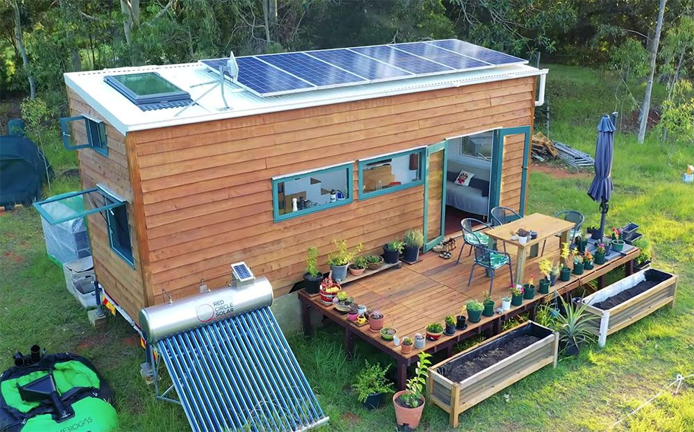 This Tiny House Is Off Grid Perfection Off Grid World Off Grid Tiny House Off Grid House Tiny House On Wheels