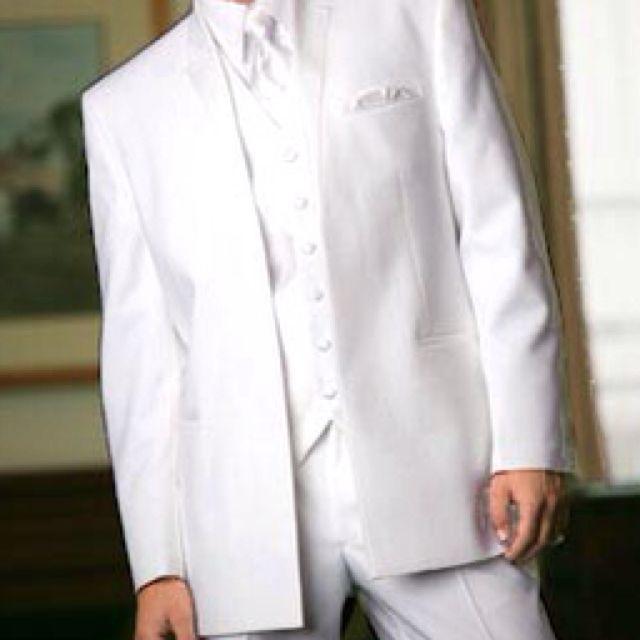 White tuxedos for groomsmen, that seems pretty sick(: | My dream ...