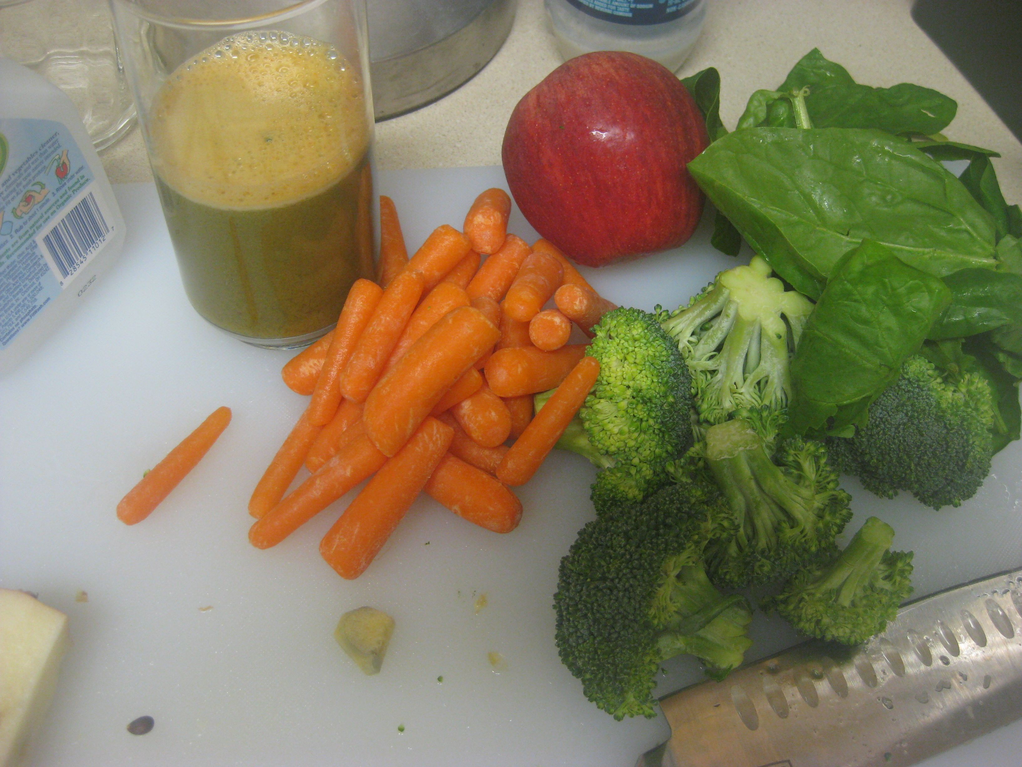 1 Apple 2 Handfuls Baby Carrots Spinach Broccoli