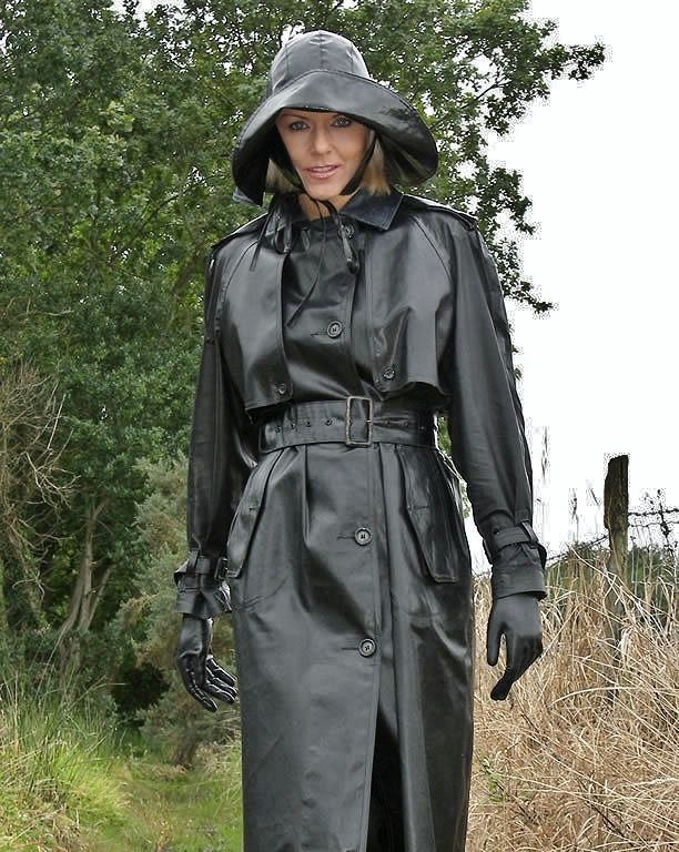 Pin von SY TSE auf full length coat | Mackintosh raincoat ...