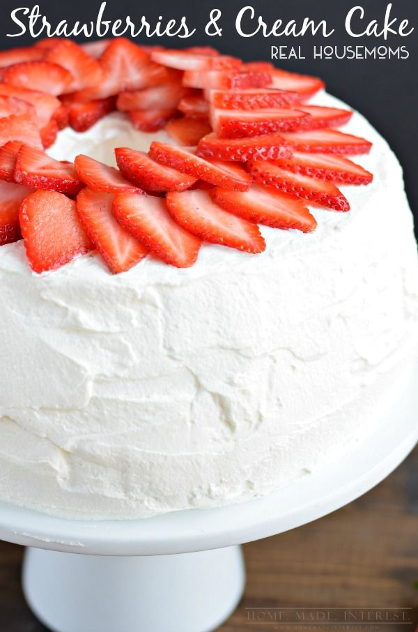 This Light And Fluffy Angel Food Cake Is Filled With Delicious Strawberry Cream And Frosted With Homemade Whippe Strawberry Cream Cakes Angel Food Savoury Cake