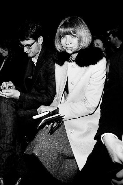 Milan Fashion Week, Women Fall Winter 2011/2012. Moda Donna, Autunno Inverno 2011/2012. Parterre FENDI. Nella foto: anna wintour     awesome! repin pls!