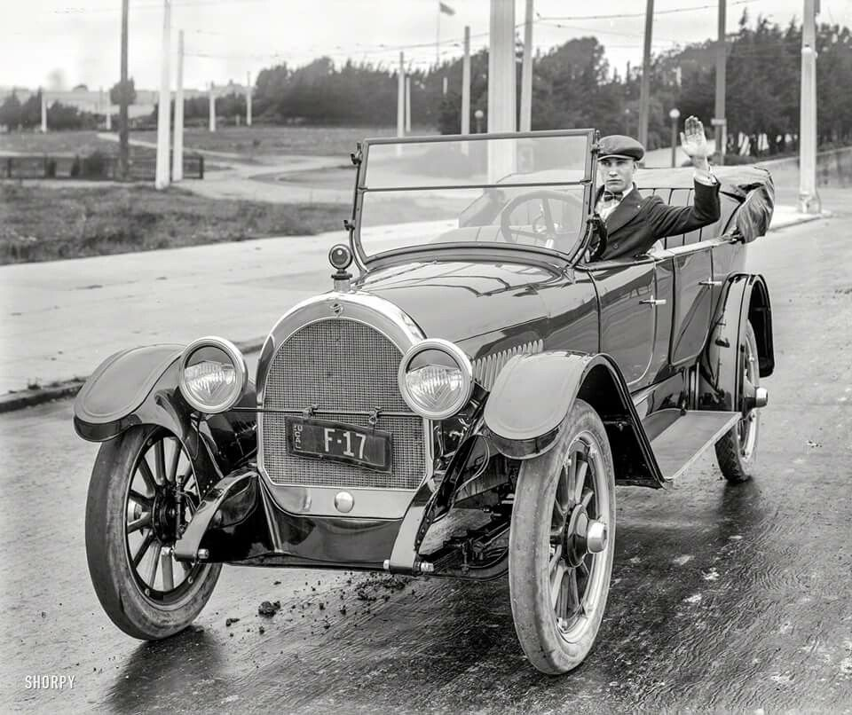 Oldsmobile 1920s | Vehicle History started in Black and White ...