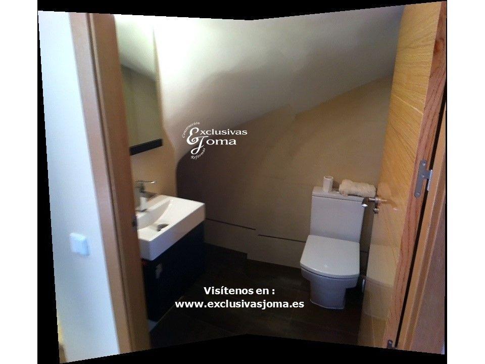 Reforma integral en chalets de vitra y psv acceso desde for Aseo bajo escalera