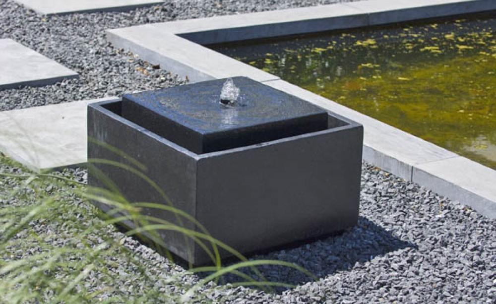 Betonwürfel Garten zimmerbrunnen gartenbrunnen ubbink acquaarte sonora anthrazit