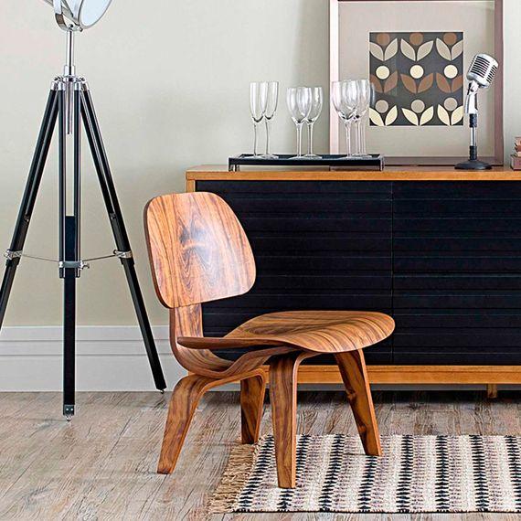 Criada em 1945 por Charles e Ray Eames, a poltrona LCW (Lounge ...