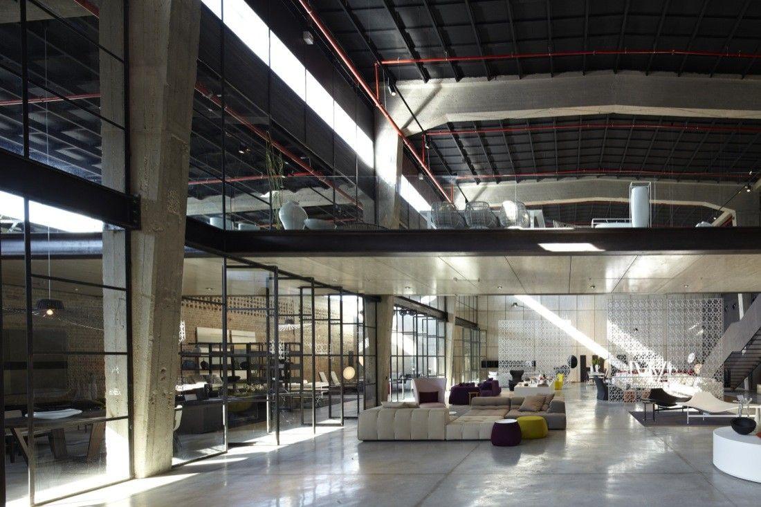Galeria de A Casca e seu Conteúdo – Showroom Italia B&B / Pitsou Kedem Architects - 9