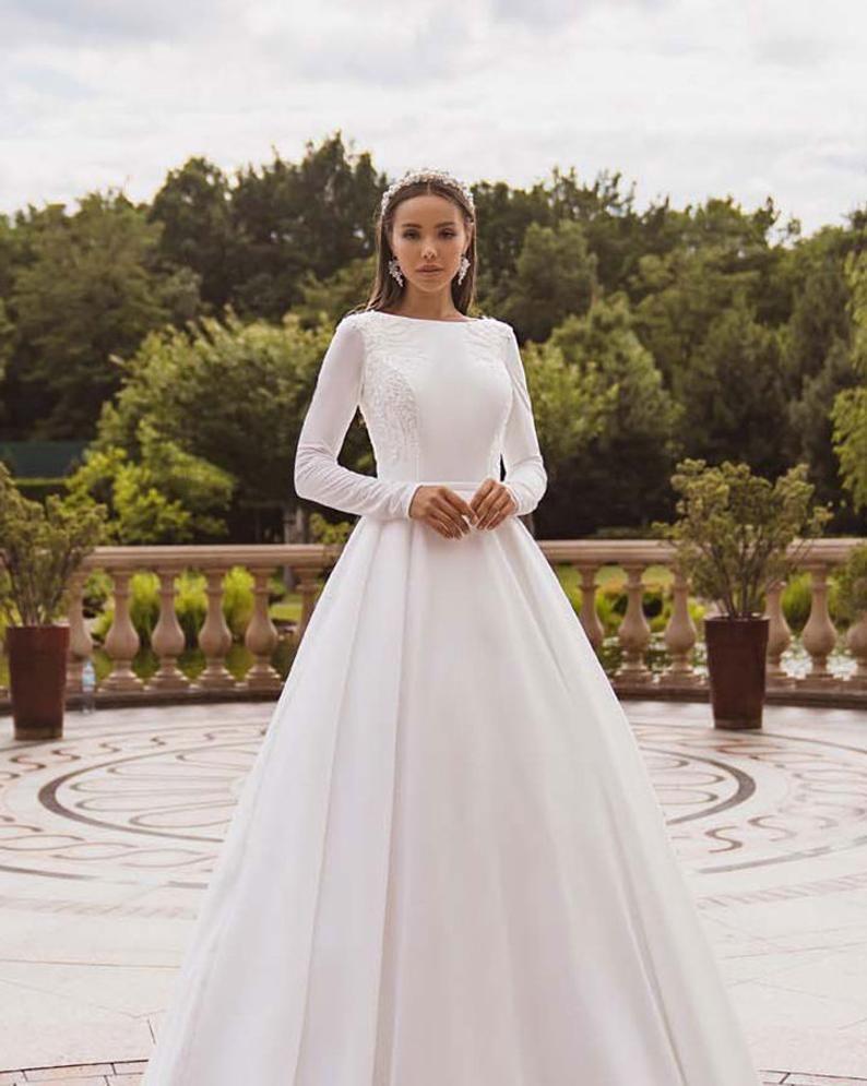 Simple Wedding Dress Long Sleeve Wedding Dress Modest Wedding Etsy Wedding Dress Long Sleeve Wedding Dresses Lace Wedding Dress Sleeves [ 995 x 794 Pixel ]