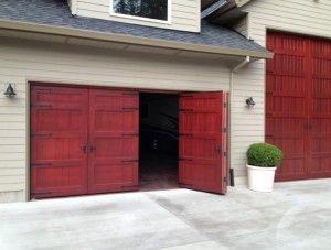 Attirant Bi Fold Carriage Doors Traditional Garage Doors Lightweight Weatherproof