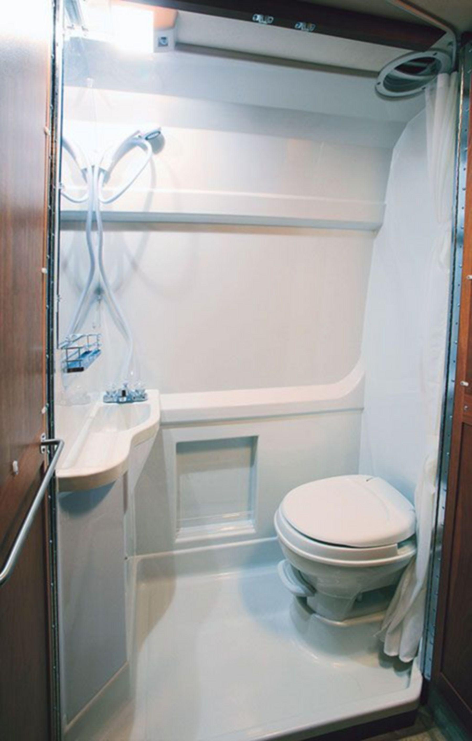Modern Rv Camper Bathroom Design Ideas 231 Cuartos De Banos