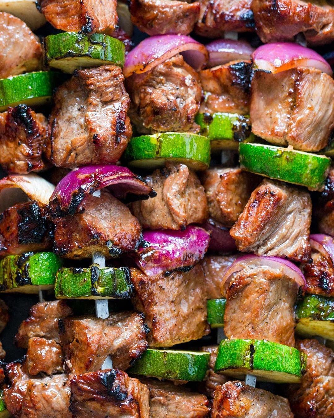 "2,931 Me gusta, 22 comentarios - Natasha Kravchuk (@natashaskitchen) en Instagram: ""My sister @svetakhochay makes the best Steak Kebabs and her recipe is now on my blog. Enjoy this my…"""
